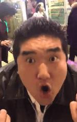 新宿で顔舐める痴漢事件 被害者がTwitterに動画投稿 変態おじさん逮捕