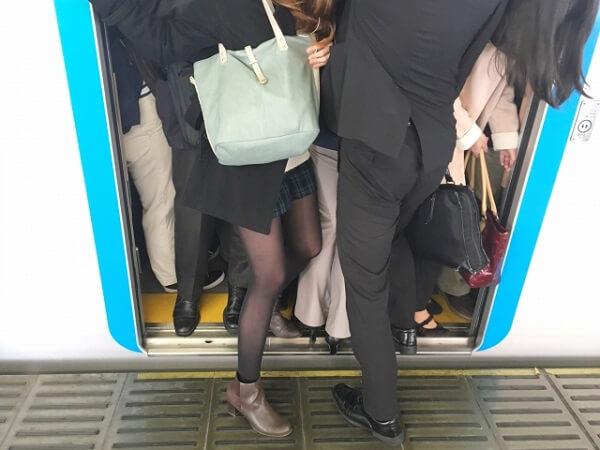 池袋駅の痴漢騒ぎで男性連行 埼京線が遅延 通勤ラッシュで一時騒然