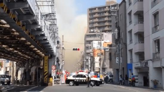 荒川の町屋駅付近で火事の現場画像
