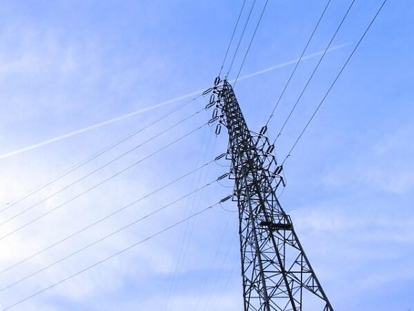 宮崎県串間市で女子中学生が鉄塔に登り感電死したニュースのイメージ画像