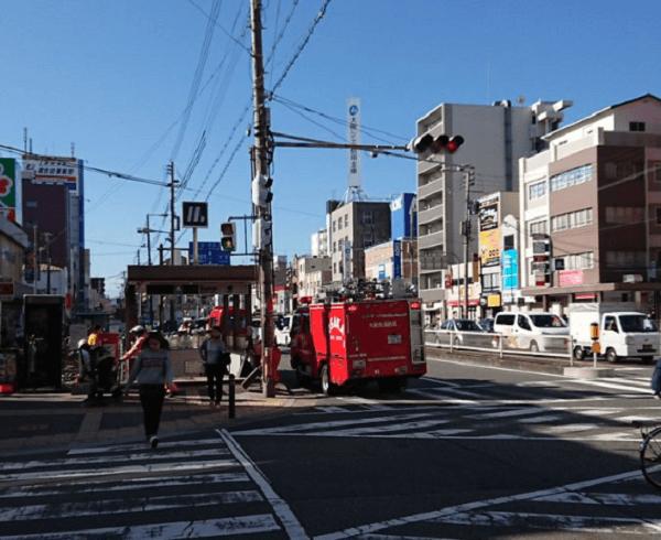 大阪メトロ御堂筋線の昭和町駅の人身事故で緊急車両が集結している現場の画像
