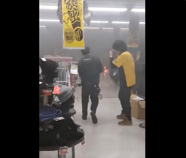 ドンキホーテ 八王子駅前店で火事が起きてる動画のキャプチャ画像