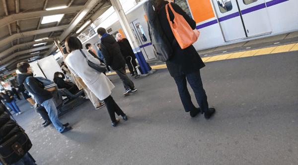 鶴瀬駅で人身事故が起きたホームの画像