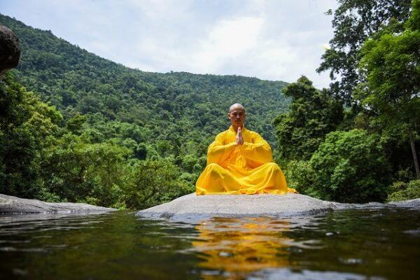 修行サークルで男性が小瀬川で溺れる死亡事故ニュースのイメージ画像