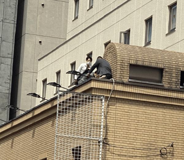 ネストホテル札幌駅前で飛び降り自殺があった現場の画像