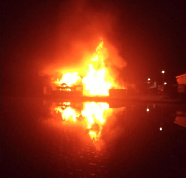 徳島県阿南市那賀川町黒地で火事の画像